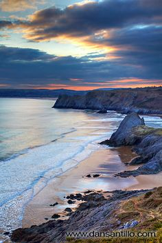 "Pobbles Beach and Three Cliffs Bay by Dan Santillo. ""I walked from Southgate to overlook Pobbles Beach for sunset. I was initially disappointed with the light and thought it would be another failed trip. The Places Youll Go, Places To See, Gower Peninsula, South Wales, Wales Uk, Cardiff, Beautiful Beaches, Beautiful World, Strand"