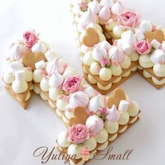 numbercakes with cream, macaroons, meringues and sweets Biscuit Cake, Biscuit Cookies, Cake Cookies, Cupcake Cakes, Pretty Cakes, Cute Cakes, Beautiful Cakes, Yummy Cakes, Chocolate Dipped Fruit
