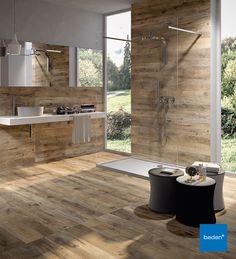 De tegels in houtlook uit het Baden+ assortiment zijn tegenwoordig niet meer van echt te onderscheiden. Deze kunnen zowel op de vloer als tegen de wand worden bevestigd