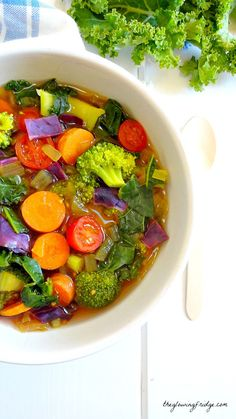 Cleansing Detox Soup by theglowingfridge: Immune-boosting wholesome vegan oil free and gluten free warming soup. Perfect for fighting off colds and flu while cleansing with natural delicious immunity boosting whole foods. Detox Recipes, Yummy Recipes, Whole Food Recipes, Vegan Recipes, Cooking Recipes, Juice Recipes, Veggie Soup Recipes, Free Recipes, Salad Recipes