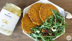 Galette de quinoa pour burger vegan - Ces petites galettes de quinoa sont faciles à réaliser, idéales pour une alimentation vegan variée et goûtue et feront office de steak végétarien dans des burgers maison. Ces galettes de quinoa maison sont adaptées à un régime faible en matières grasses. - patate douce ((350 g)), de quinoa