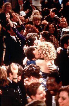Meg Ryan & Billy Crystal in When Harry Met Sally (New Years Eve) Harry And Sally, When Harry Met Sally, Romantic Movies, Most Romantic, Movies Showing, Movies And Tv Shows, Movie Kisses, Billy Crystal, New Years Wedding