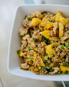 Chicken Mango Couscous 16 other mango recipes I Love Food, Good Food, Yummy Food, Healthy Chicken Recipes, Cooking Recipes, Veggie Recipes, Curried Couscous, Clean Eating, Healthy Eating