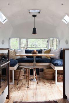 Amazing 50+ Interior Design Ideas for Camper Van https://modernhousemagz.com/50-interior-design-ideas-for-camper-van/ #vintageairstream #camperdesignideas