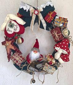 Natale - Ghirlanda con folletto e funghi