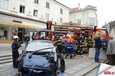 Lokal, Action, Vehicles, Car, 30 Years, Fire Department, Young Adults, Messages, Automobile