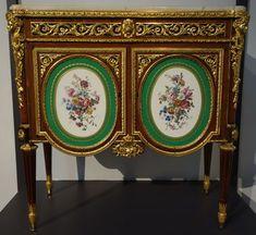Commode de la marquise de Laborde. Martin Carlin. Paris, vers 1776