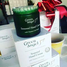 La crema de manos con mejor crítica del mercado y múltiples premios, recién llegada de Irlanda, por fin novedad en nuestra tienda online: http://farmalinea.es/cuerpo/284-crema-de-manos-green-ángel-50-ml.html #cremademanos #cosmeticanatural #fashion #fashionaddict #fashionblogger #premios #blogger #belleza #farmalinea