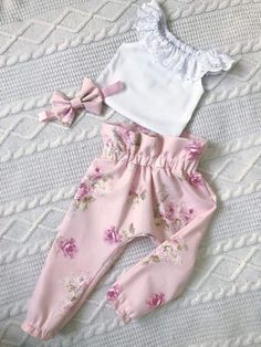 Newborn Toddler Baby Girl Lace Tops T-Shirt Floral Pants Outfit Set Clothes Cute Baby Clothes, Doll Clothes, Baby Girl Fashion, Kids Fashion, Toddler Outfits, Kids Outfits, Moda Kids, Baby Dress Design, Floral Pants