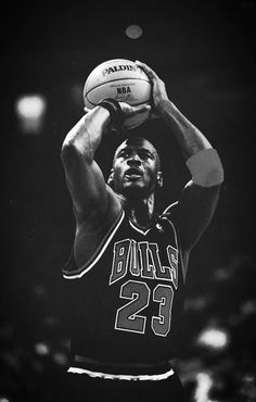 Michael Jordan The best player Michael Jordan Basketball, Michael Jordan Chicago Bulls, Love And Basketball, Basketball Legends, Sports Basketball, Basketball Players, Nba Bulls, Nba Chicago Bulls, Basket Nba