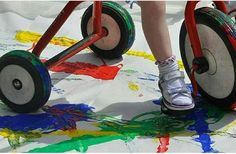 This lovely colour mixing activity supports children's physical development and encourages investigation and colour recognition. Transportation Preschool Activities, Eyfs Activities, Early Learning Activities, Nursery Activities, Creative Activities, Activities For Kids, Color Plan, Physical Development, Expressive Art