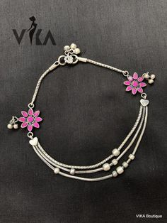Individuals sought for: anklets for women! find to thousands of hand made, vintage, and diverse goods and their personal gifts associated with each of your look. Payal Designs Silver, Silver Anklets Designs, Silver Payal, Anklet Designs, Gold Ring Designs, Silver Bracelets For Women, Silver Jewelry Box, Silver Jewellery Indian, Silver Ring