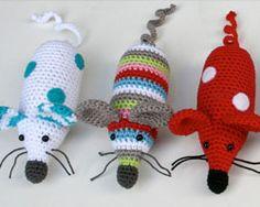 A directory of free Amigurumi crochet patterns Crochet Mouse, Crochet Baby, Free Crochet, Irish Crochet, Crochet Dolls, Knit Crochet, Crochet Amigurumi Free Patterns, Crochet Blanket Patterns, Crochet Crafts