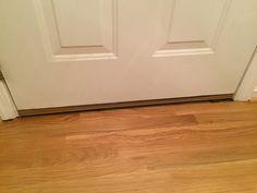 Floor doesn't meet front door, no moulding (9)