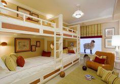 camas literas en dormitorio infantil