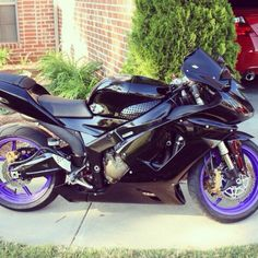 06 zx6r black fairings with purple wheels!!!!!