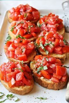 Bruschetta - Simple, fresh, and seriously amazing. This is the best bruschetta I've ever had!Perfect Bruschetta - Simple, fresh, and seriously amazing. This is the best bruschetta I've ever had! Good Food, Yummy Food, Tasty, Cooking Recipes, Healthy Recipes, Easy Recipes, Healthy Food, Delicious Recipes, Healthy Summer Snacks