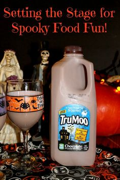 Set the stage for spooky fun with your child's food with simple inexpensive decorations and delicious Halloween-themed TruMoo! #ad #TruMooHalloween @trumoomilk