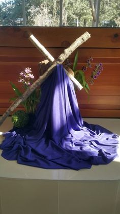 Altar Flowers, Church Flower Arrangements, Church Flowers, Floral Arrangements, Wedding Flowers, Easter Altar Decorations, Lent Decorations For Church, Alter Decor, Church Events