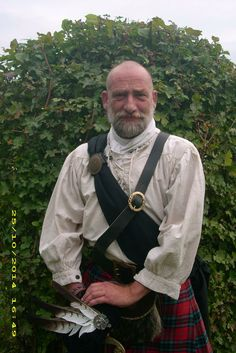 ༺☾♥☽༻ Look-a-like Dougal/Graham from Outlander