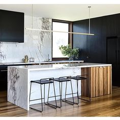 44 Modern And Cool Coastal Kitchen Design Ideas Home Decor Kitchen, Kitchen Interior, New Kitchen, Home Kitchens, Kitchen Dining, Black Kitchens, Kitchen Counters, Kitchen Slab, Kitchen Ideas