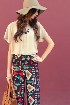 Palazzo Pants would be peeerrrrfect for the office. Personality, fun, and yet still professional. Crazy Pants, Funky Pants, Don Draper, Aztec Pants, Boho Fashion, Fashion Outfits, Cute Summer Outfits, Summer Clothes, Pregnancy Wardrobe