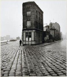 "luzfosca:  "" Robert Doisneau  Au Bon Coin, quai du Port, Saint-Denis  1945  """
