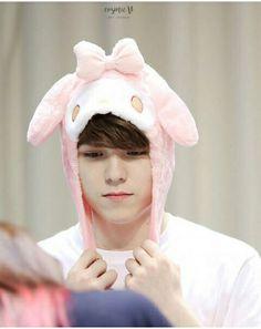 jeon-wonwoo: hey :) kim-areum: who are you? jeon-wonwoo: you don't remember me? + °a jeon wonwoo fanfiction. Woozi, Wonwoo, Jeonghan, Seungkwan, Vernon Seventeen, Seventeen Debut, K Pop, Banda Kpop, Rapper