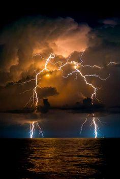 Breathtaking Lightning ♥