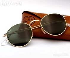 703628a369 The Ray Ban RB 3447 sunglasses Round Metal are a great example of classic  vintage Ray Ban. Read more and shop Ray Ban RB 3447 round metal sunglasses.