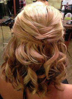 Half Up Half Down Shoulder Length Wedding Hairstyles