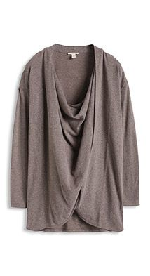 soft, oversized T-shirt in a wrap-over look