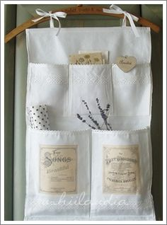 Items similar to Linen Wall Holder / Organizer ,Vintage Labels Transfer 5 pockets on Etsy Precioso y practico! Crafts For Teens, Crafts To Make, Home Crafts, Fabric Crafts, Sewing Crafts, Sewing Projects, Couture Main, Organize Fabric, Antique Lace