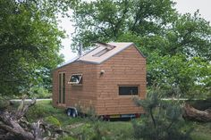 Dutch Minimalist Tiny House - Marjolein Jonker - The Netherlands - Exterior - Humble Homes Modern Tiny House, Tiny House Cabin, Tiny House Living, Tiny House Design, Tiny House On Wheels, Small Living, Living Room, Eco Cabin, Cabin Design