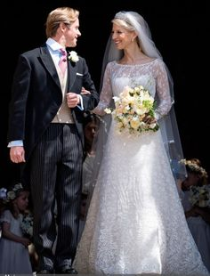 This picture shows the beauty of the lace overlay on Lady Gabriella's Luisa Beccaria wedding dress. The Wedding of Lady Gabriella Windsor and Thomas Kingston - What Kate Wore Celebrity Wedding Dresses, Celebrity Weddings, Wedding Gowns, Royal Brides, Royal Weddings, Kingston, Vintage Wedding Photography, Bride Look, Royal Fashion