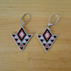 Earrings woven Miyuki beads black pink white and silver