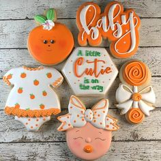 Baby Cookies, Baby Shower Cookies, Royal Icing Cookies, Baby Shower Desserts, Baby Shower Brunch, Shower Orange, Spice Cookies, Baking Cookies, Baby Girl Shower Themes