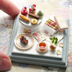 ミニチュアケーキのセット Miniature cakes  #miniature #tiny #miniaturecake #miniaturefood #dessert #dollhouse #claywork #clay #cake #handmade #miniaturesweets #dessert #sweets #patisserie #ドールハウスミニチュア #粘土クラフト #ミニチュアケーキ #ミニチュア #ミニチュアフード #ミニチュアスイーツ #ハンドメイド #ケーキ #スイーツ #洋菓子