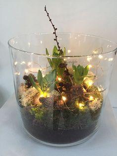gedeeld door marjolein 131 ♦๏~✿✿✿~☼๏♥๏花✨✿写☆☀🌸🌿🎄🎄🎄❁~⊱✿ღ~❥༺♡༻🌺<SA Mar ♥⛩⚘☮️ ❋ Christmas Flowers, Winter Christmas, Christmas Time, Christmas Wreaths, Christmas Crafts, Christmas Decorations, Xmas, Holiday Decor, Deco Floral