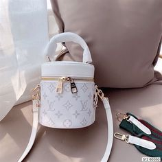 Dior Handbags, Purses And Handbags, New Louis Vuitton Handbags, Replica Handbags, Designer Handbags, Designer Belts, Designer Purses, Best Designer Bags, Handbags Online Shopping