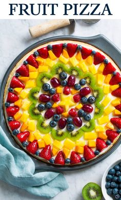 Fruit Pizza - this is so easy to make yet it's always a showstopper that's sure to impress, both in flavor and presentation. Brimming with luscious flavor and boasting of such beautiful natural colors. Fruit Recipes, Dessert Recipes, Recipies, Vegetarian Recipes, Cooking Recipes, Fruit Dishes, Easy Desserts, Natural Colors, Cupcake Cakes