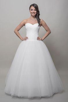 Esküvõi  és szalagavatós ruháink. Our bridal wear collection.