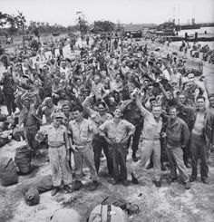 World War II: Pictures We Remember American troops in the Philippines celebrate the long-awaited news that Japan has, finally, unconditionally, surrendered in August Nagasaki, Hiroshima, American War, American History, American Soldiers, World History, World War Ii, Ww2 History, Family History