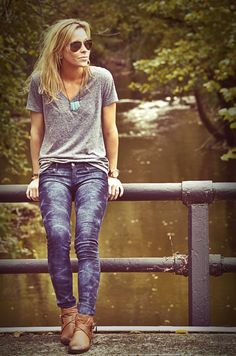 grey vneck + washed jeans + turquoise necklace + brown flat ankle boots // @dressmeSue