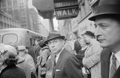 Au Jeu de Paume, Garry Winogrand sillonne l'Amérique d'après-guerre avec brio…