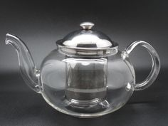A medium size clear glass tea pot with infuser chamber that serves 2-3. Place your organic loose leaf tea in the chamber and brew multiple cups of tea at a time!