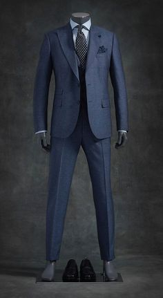 Today I am going to talk about the best blue suits for men. After researching, testing, and recommending the best blue suits for men that you can afford. Suits For Tall Men, Big Man Suits, Mens Fashion Suits, Mens Suits, Fashion Vest, Best Blue Suits, Terno Slim, Suit Combinations, Mode Costume