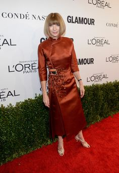 Anna Wintour Photos Photos - Vogue magazine Editor-in-Chief Anna Wintour  attends Glamour Women Of The Year 2016 at NeueHouse Hollywood on November 14, 2016 in Los Angeles, California. - Glamour Women of the Year 2016 - Red Carpet
