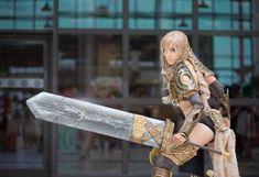 illyne's Jora cosplay (Guild Wars). What is it with video game characters and comically big swords?