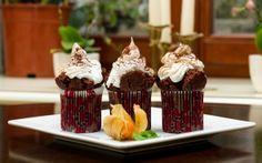 Chocolate Cupcakes with Cream